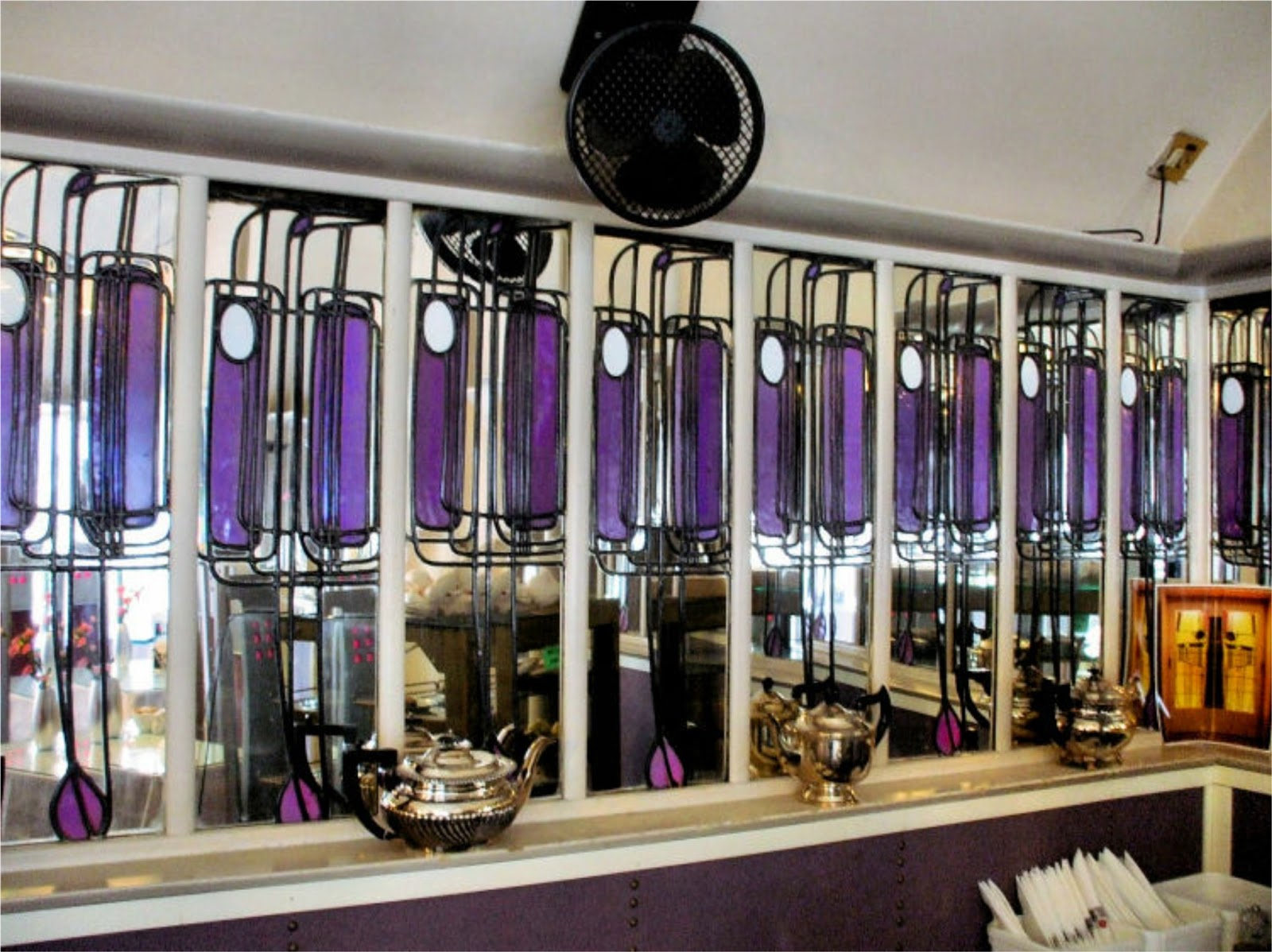Charles rennie mackintosh i willow tearooms for Designer room glasgow