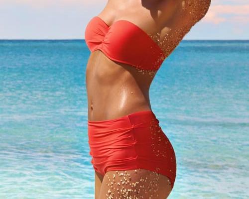 Retro stílusú bikini - korall pánt nélküli felső és magas derekú alsó - Calzedonia bikini 2013