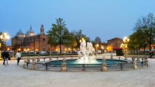 Padova - Fontana in Prato della Valle - Basilica di Santa Giustina