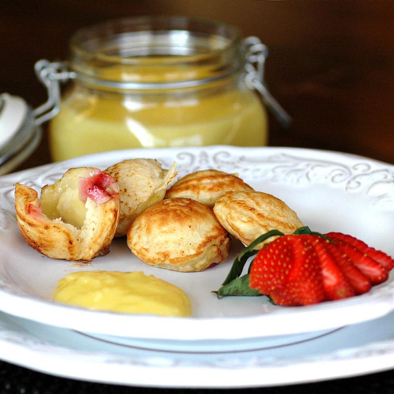 Aebleskivers with Strawberries and Lemon Curd
