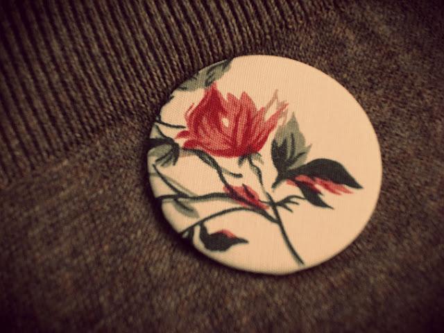 Látková button brošňa