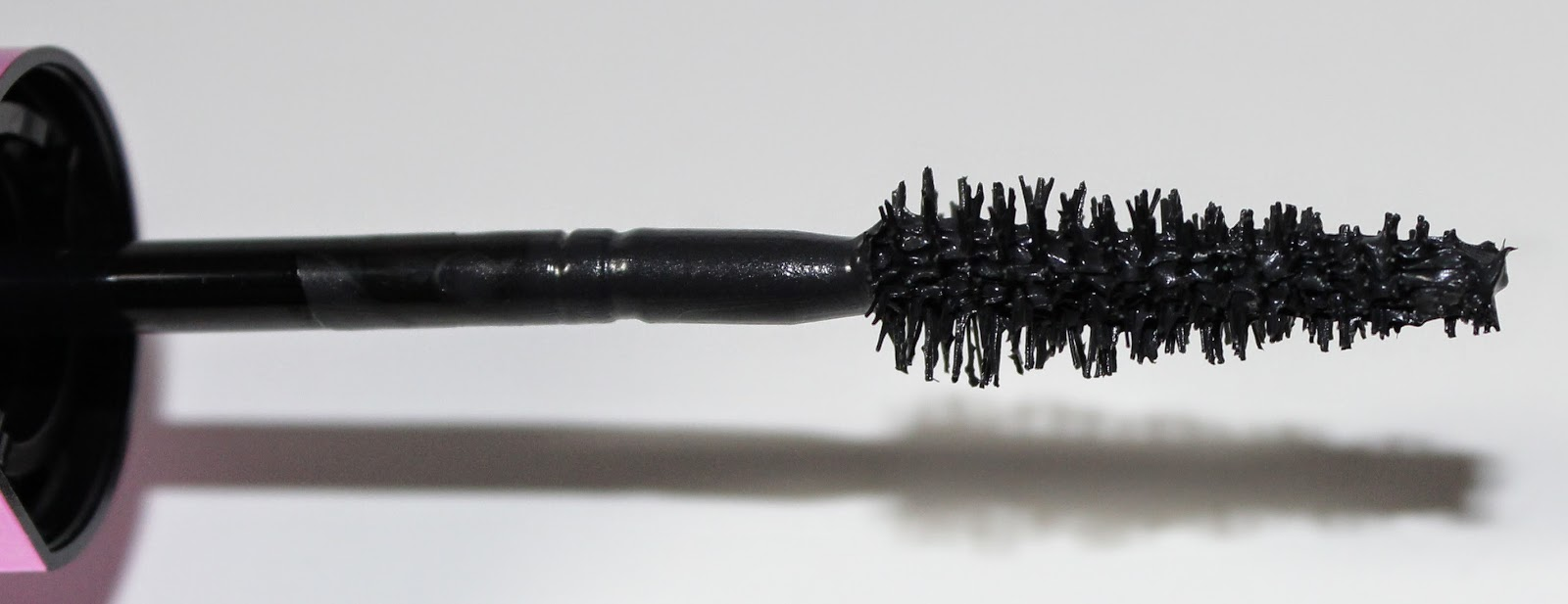 L'Oreal Miss Manga Mascara in Black wand