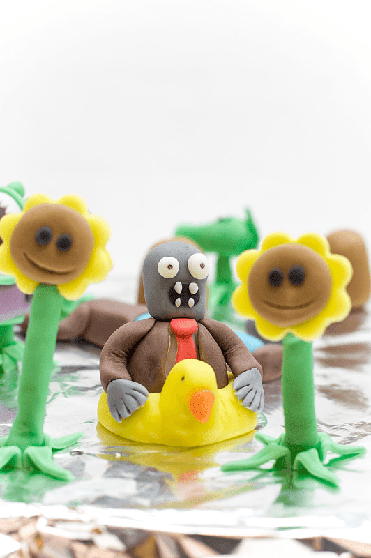 Plants vs zombies fondant cake water zombie fondant figurine
