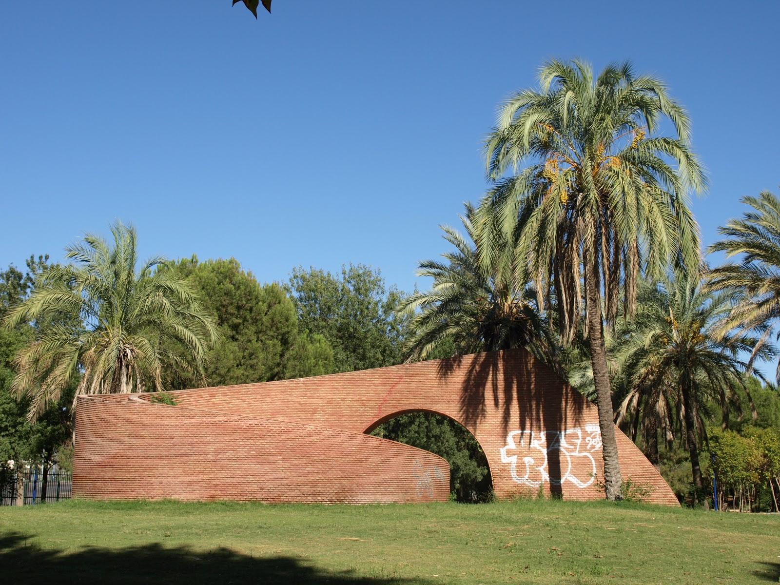Sevilla daily photo el no do de eva lootz for Jardin americano sevilla