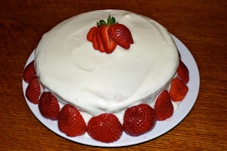 strawberry cake,strawberry cake recipe,strawberry cake filling,strawberry cake recipes,homemade strawberry cake