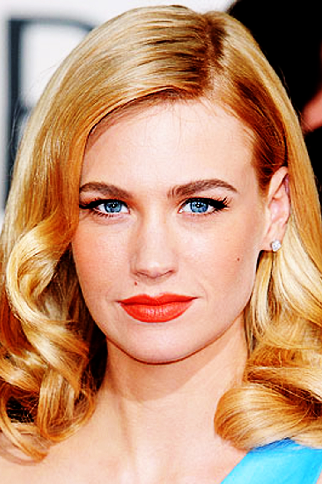 http://2.bp.blogspot.com/-MnB-Qpsezl0/T_7jFwb7BvI/AAAAAAAAAOE/dR5KOlhyMI0/s1600/January-Jones-Biography-3.jpg