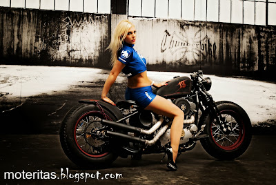Girl-bike-custom-rider-pictures-hd-image-wallpaper