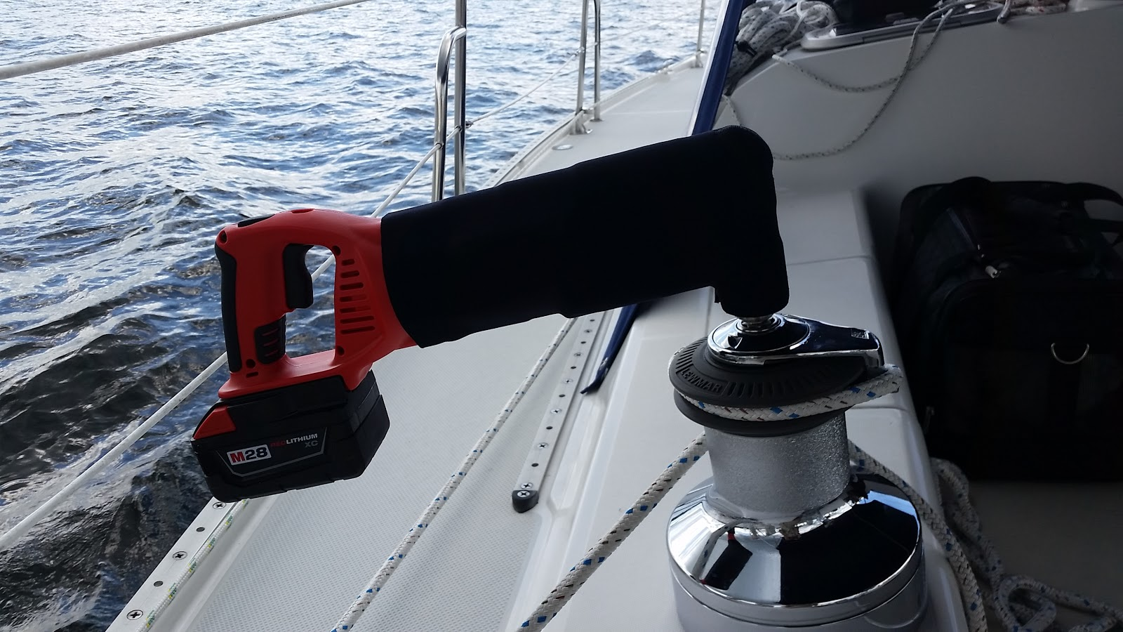 Right Angle Winch : Purdy suite living aboard a sailboat winch bit and