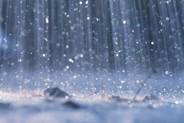 Lebatnya hujan
