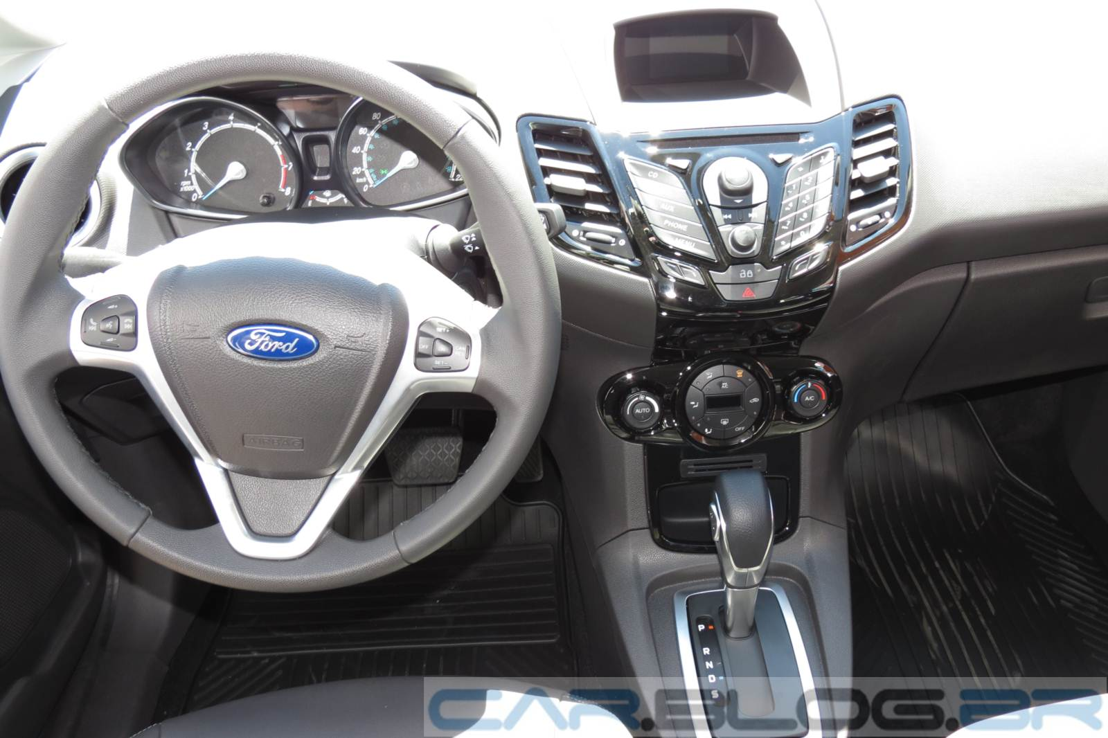 Ford Fiesta 2016 - tabela de preços