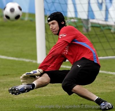 Petr Cech Kiper Terbaik di Dunia 2012