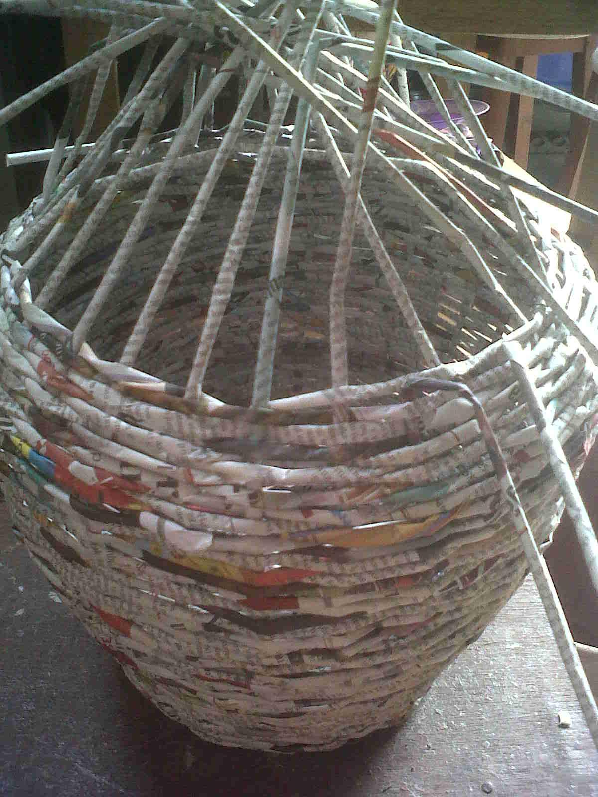 kerajinan tangan dari barang bekas, daur ulang kertas