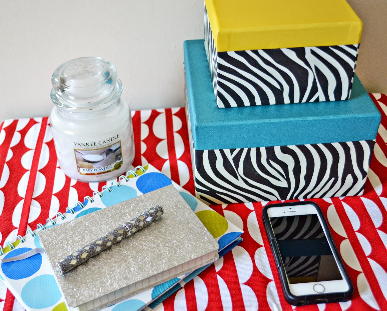 How to stay organised and decluttered - Aspiring Londoner