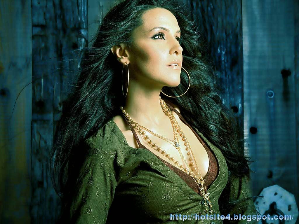 neha dhupia wallpapers hot - photo #41