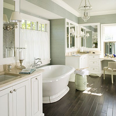 To da loos 5 pretty pedestal soaker tub bathrooms for Hardwood floor in bathroom