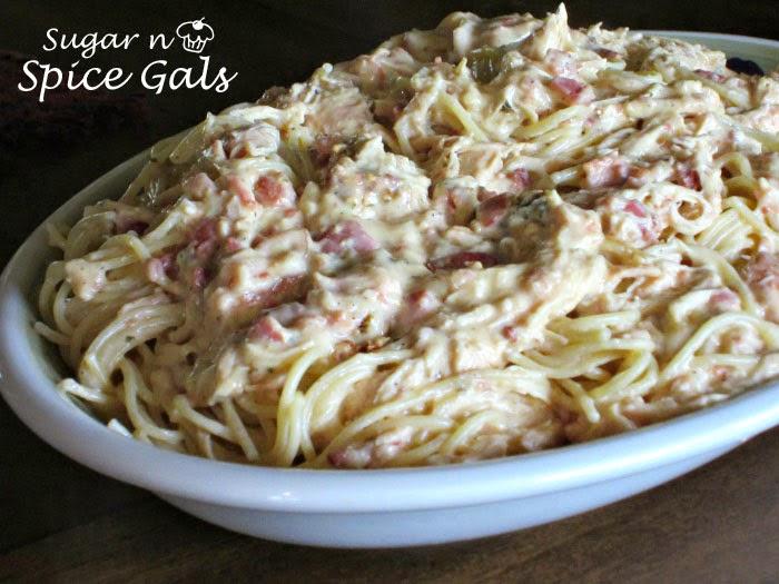 Slow Cooker Chicken Bacon Ranch Pasta - Sugar n' Spice Gals