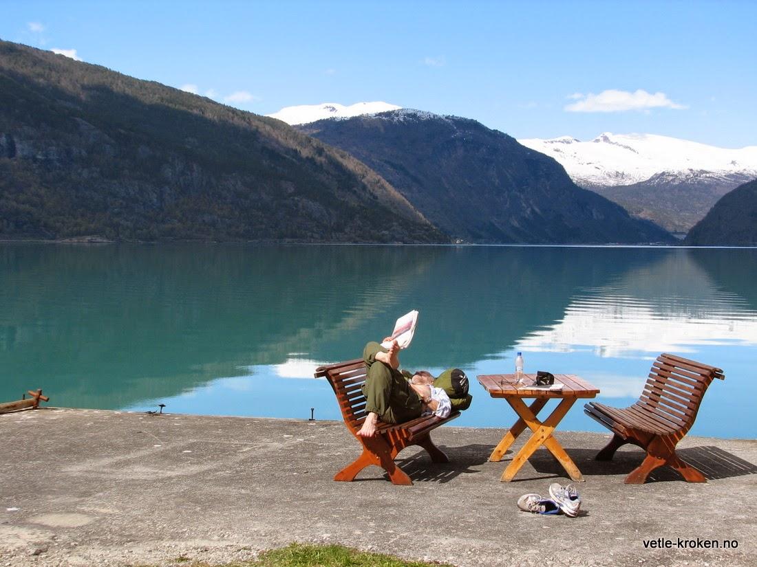 Velkommen til Lusterfjorden, vakker natur, fred og tid til ettertanke!