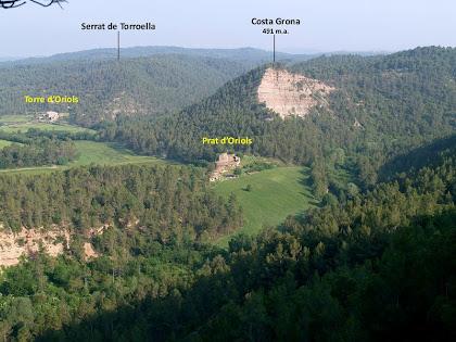 Les masies d'El Prat i la Torre d'Oriols des de la Cinglera de Cal Llop