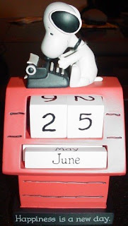 snoopy desktop perpetual calendar image