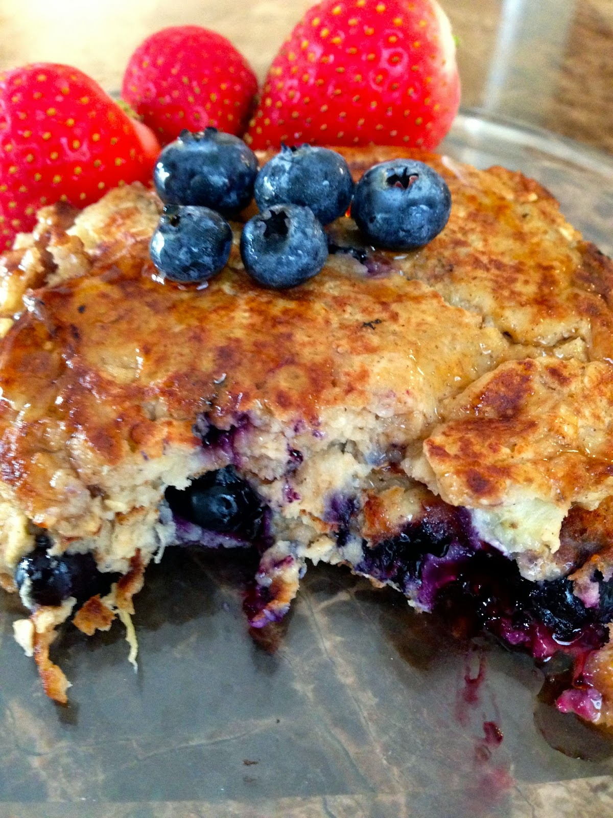 ERA for sarah: FIT FRIDAY- OATMEAL BLUEBERRY PANCAKES