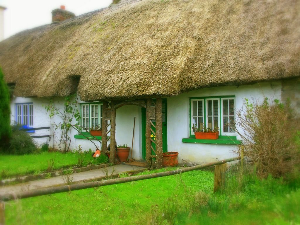 1000 images about ireland and irish c ttages on pinterest for Traditional irish cottage designs