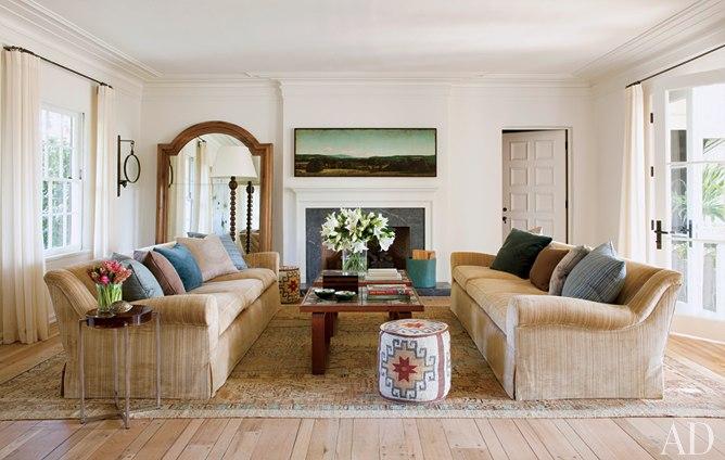 Decor me casas de famosos la vivienda en bel air del - Decoracion salon colonial ...
