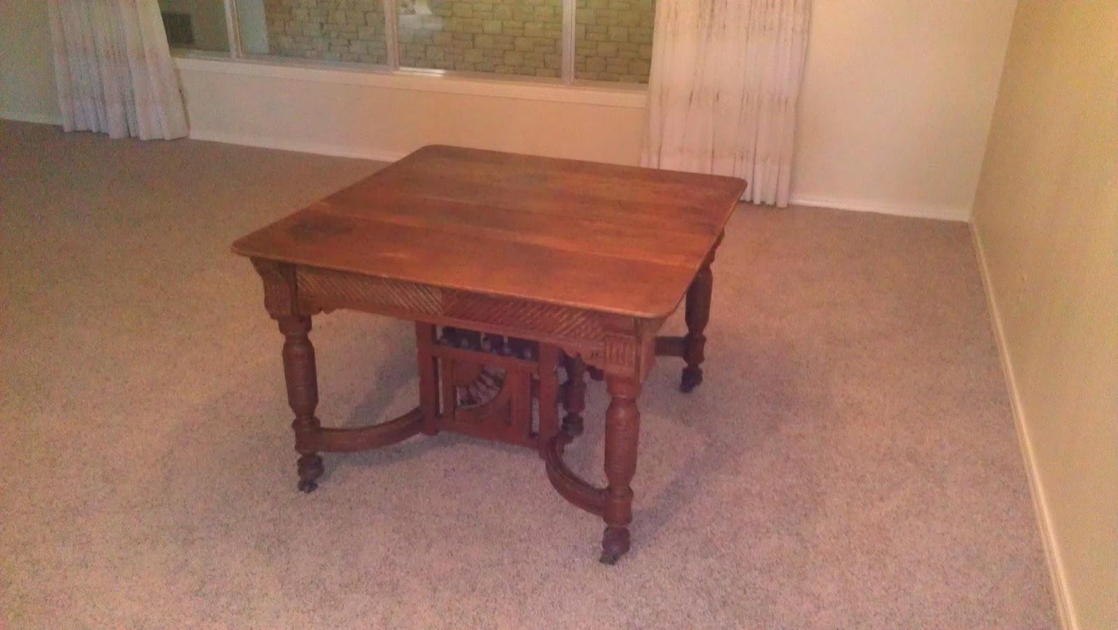 RobisonFamilyLife Big Dining Table