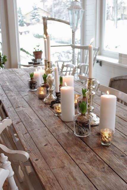 enfeitando a mesa para o natal