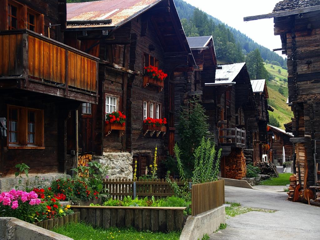 Fotos de casas im genes casas y fachadas fotos de casas - Casas de madera bonitas ...