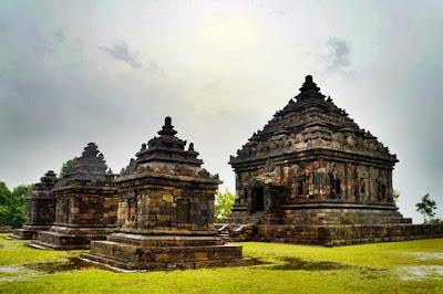 Komplek cagar budaya Candi Ijo di Jogja