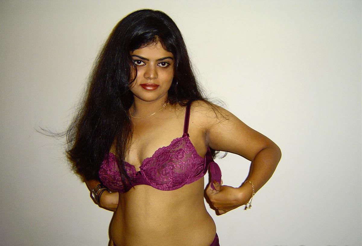 mallu-aunty-kambi-kadakal: neha aunty only in bra images