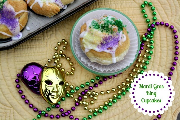 ... - Recipes From my Texas Kitchen: Mardi Gras - King Cake Cupcakes