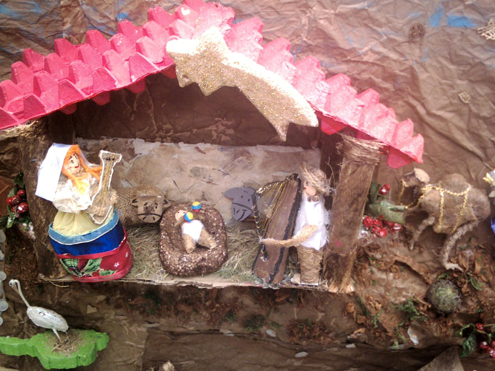 Cajitas de sue os otras carteleras navide as de las for Puertas decoradas navidad material reciclable