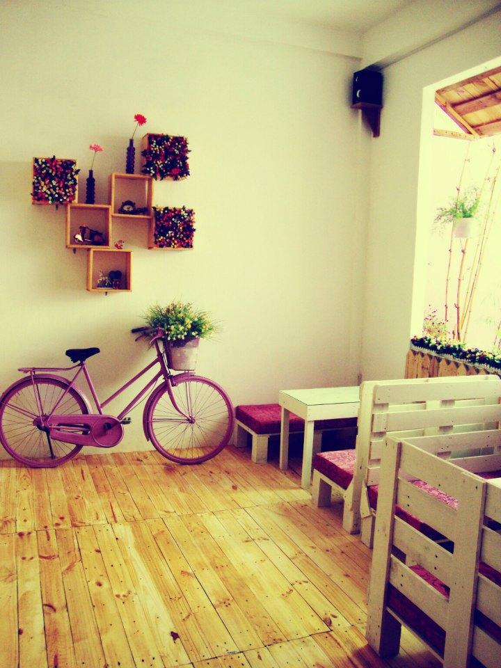 HCM - Sắc tím dịu mát mùa hè của Purple House Cafe
