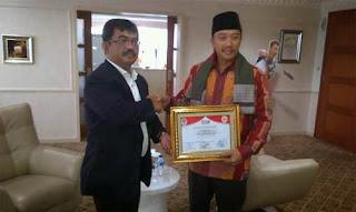 Menpora Dianugerahi Anggota Kehormatan FPB