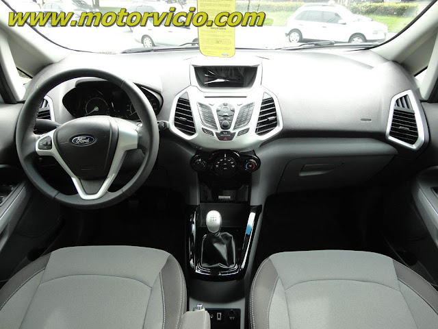 Ford EcoSport FreeStyle 2013 - por dentro - interior