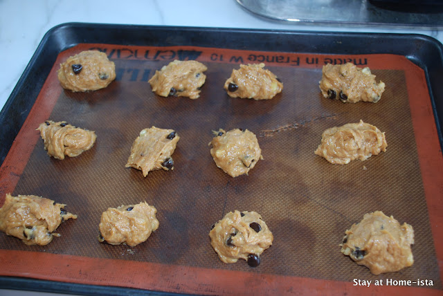 flourless banana almond chocolate chip cookies