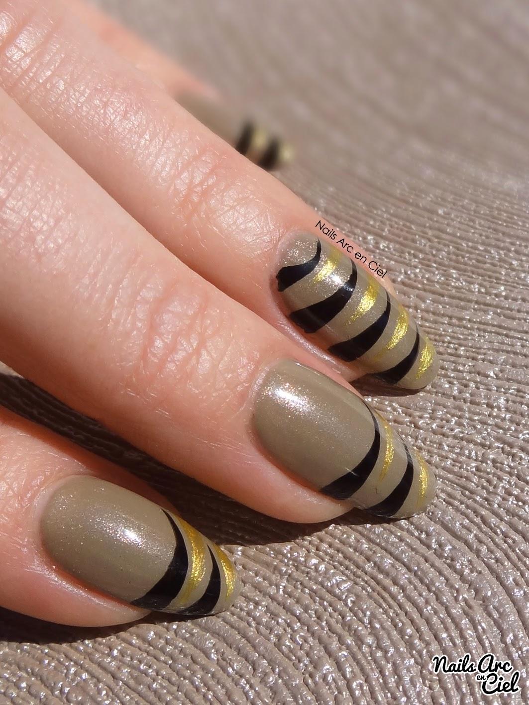 nail art facile débutant zebre noir et doré