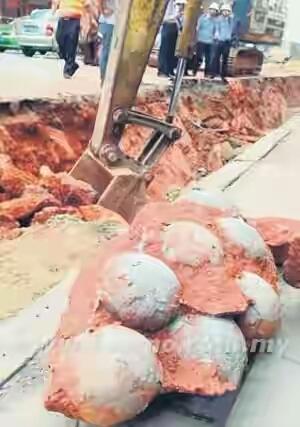 Mengejutkan FOSIL Telur Dinosaur Ditemui Di Beijing
