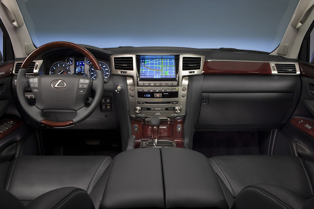 Interior view of 2015 Lexus LX570