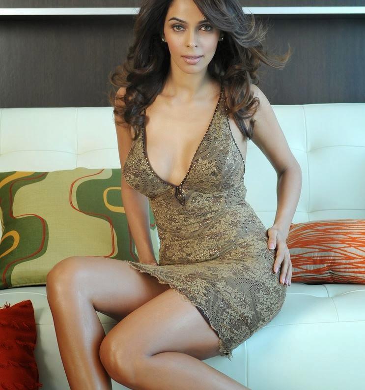 Mallika Sherawat Hot Sexy golden skirt Upskirt pics Wadrobe Malfunction Pics
