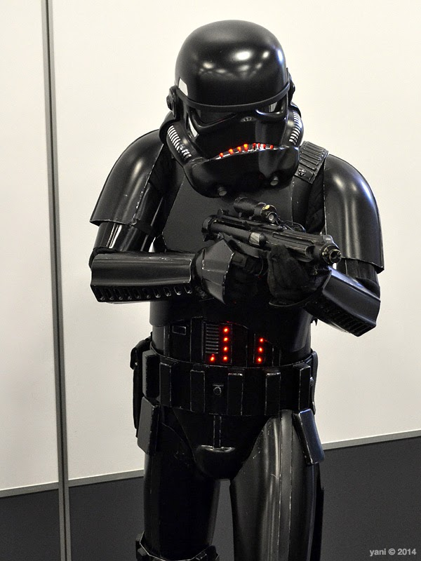 oz comic-con adelaide - black trooper