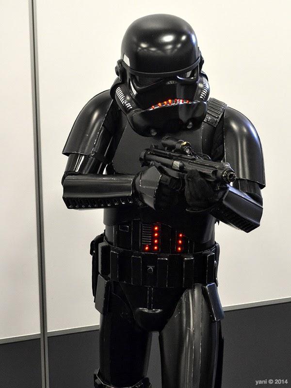 oz comic-con adelaide - black trooper