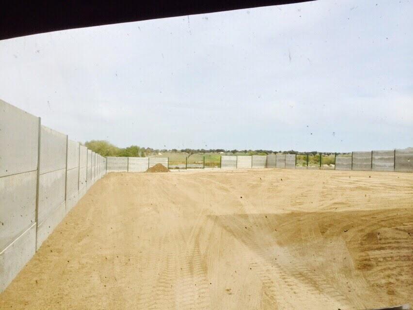 Cerramiento parcela r stica hormig n prefabricado - Cerramientos de aluminio precio por metro cuadrado ...