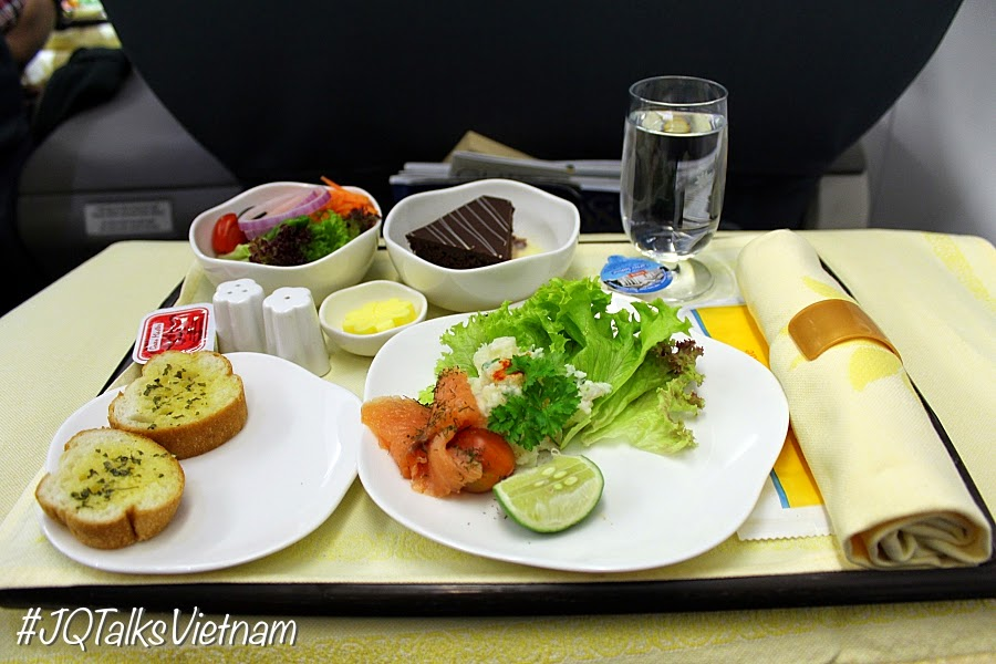 Vietnam Airlines starter meal