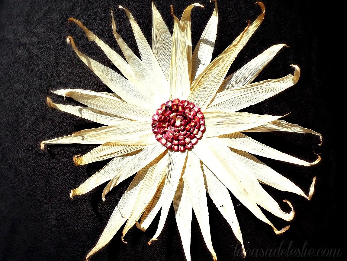 cornhusk flowers - lacasadeleslie.com