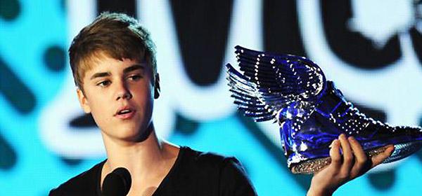 Justin Bieber ganha Melhor Artista da Música