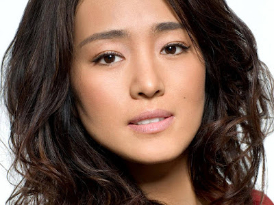 Sexy Chinese Actress Gong Li Wallpaper