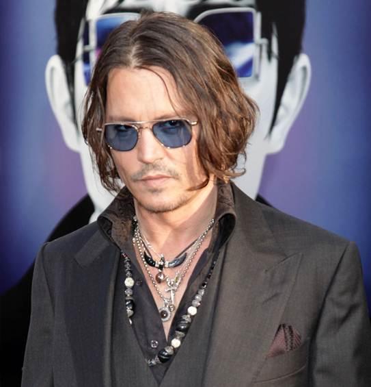 we love... Bijoux: Stylish Men who Rock Jewelry - Johnny ... Johnny Depp Looks