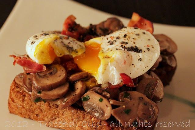 uovo in camicia, crostone, uova affogate